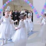 Поздравить своих сверстников с открытием частного детского сада пришли ребята из муниципального - лучшего в России
