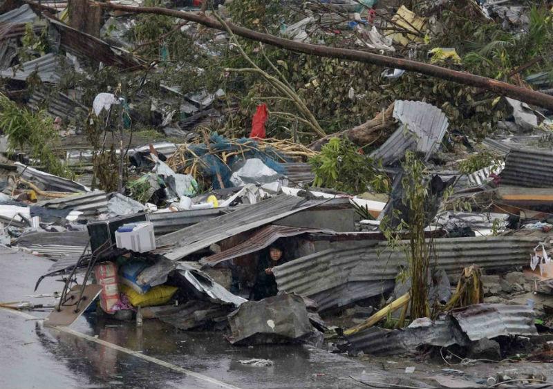 Taifun_Hayan_8