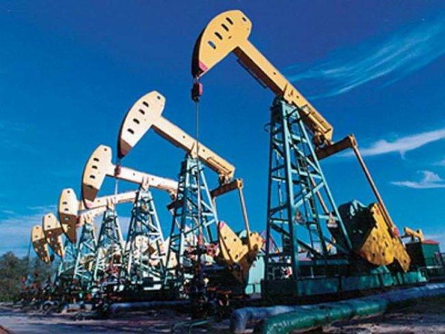 Нефть дешевеет после 10%-ного роста задва дня, Brent выше $53