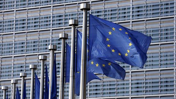 Европейцы бастуют против торгового соглашения сСША